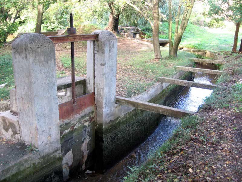 Martellière décharge de l'Enclos. Soliès-Pont