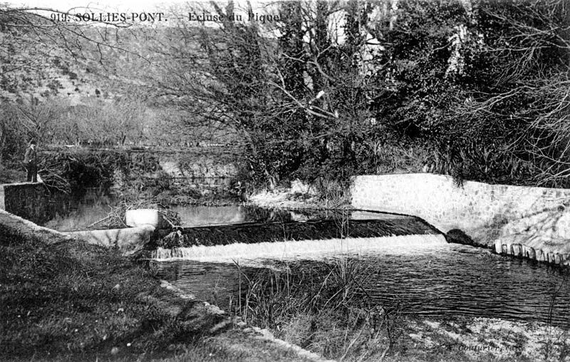 Barrage des Piquets