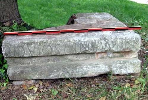 Inscription funéraire, MANIUS OTACILIUS.