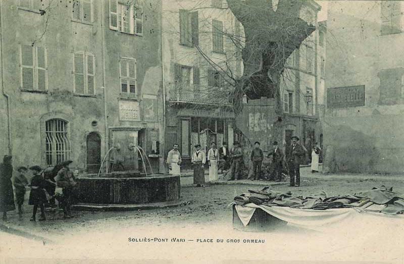Auberge place Neuve. Solliès-Pont.
