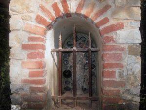 Oratoire de Méounes, Notre-Dame de la Garde, niche