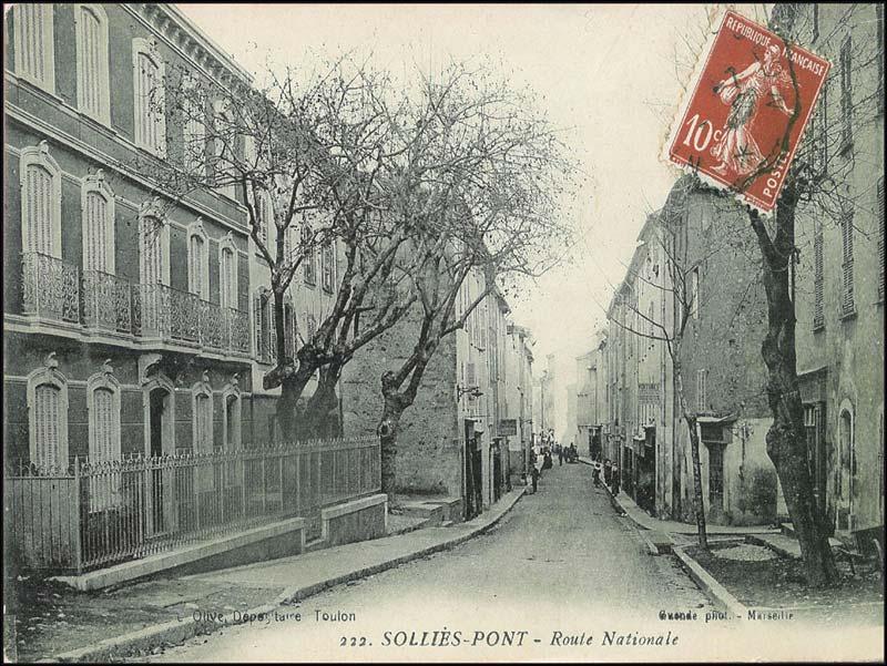 La rue de la République, Solliès-Pont
