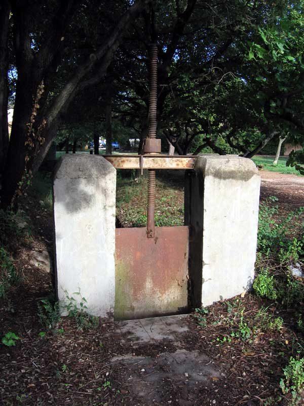 Canal de l'Enclos, martellière amont