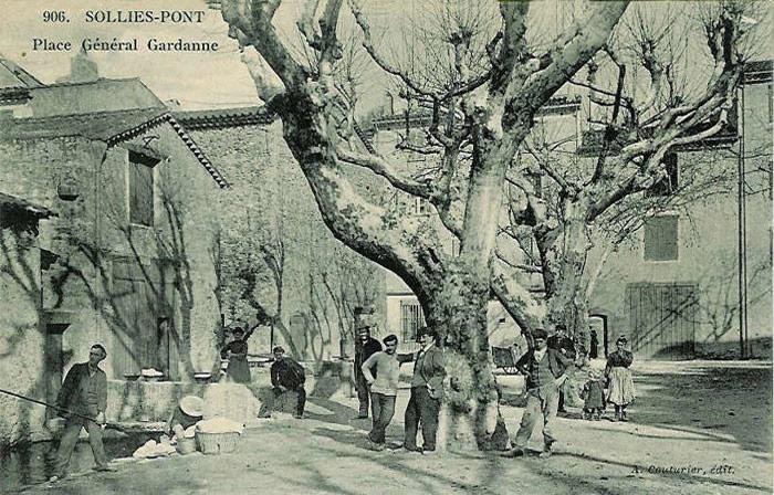 Place Gardanne, canal de la Miséricorde.
