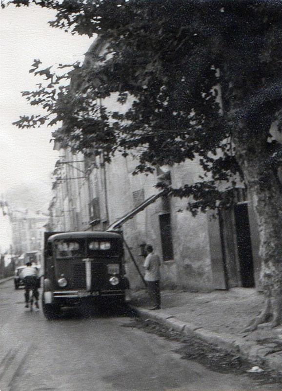 Camion de livraison, moulin Béja