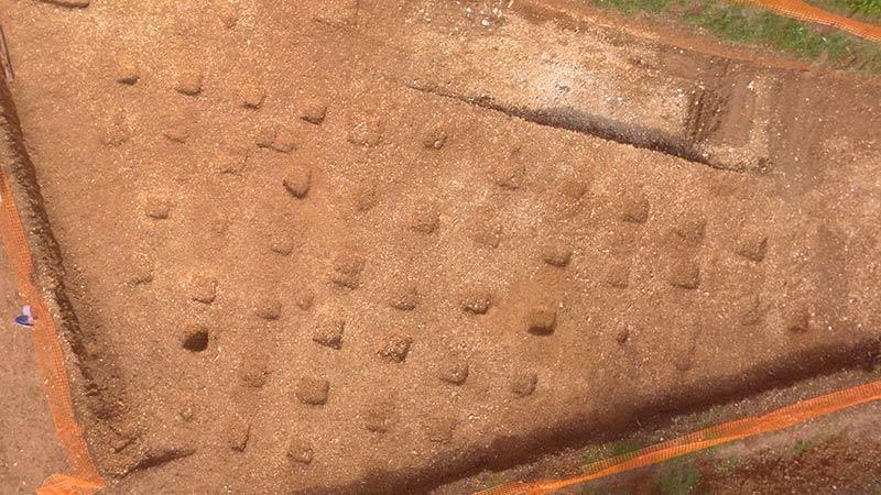 Fosses de plan quadrangulaire, fouilles des Laugiers Sud.